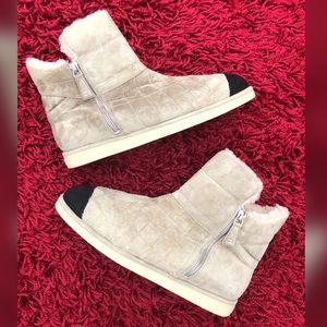 💯Auth CHANEL Quilted Suede Shearling Ankle Boots